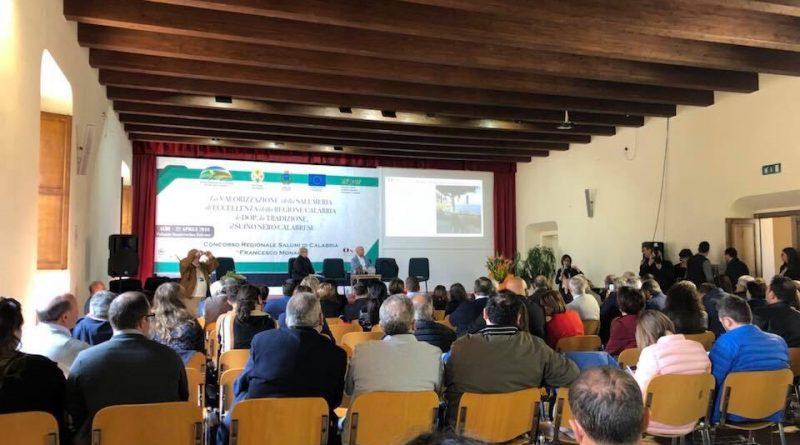 Salgono in cattedra i salumi di Calabria con 61 maestri assaggiatori ONAS, con il concorso 'Francesco Monaco'