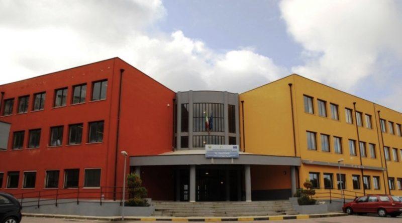 """ACRI: L'istituto 'Falcone' si """"riprende"""" il Geometra."""